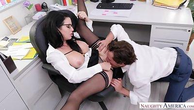 No-orgasm apprehension has Veronica Avluv demand office anal sex