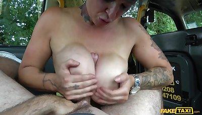 Dissimulate Taxi - Champagne Big Tits Give Sloppy Titwank 1 - Tory Candi Jackson