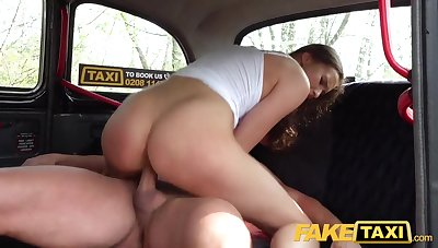 Stacy Cruz is pummeling a mind-blowing cab driver and just can't hold back from yelling