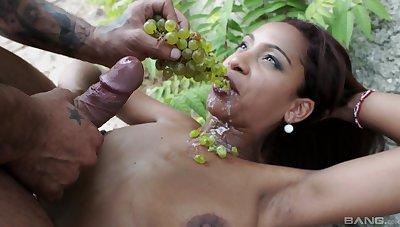 Katia De Lys devours whole cock in insane outdoor XXX