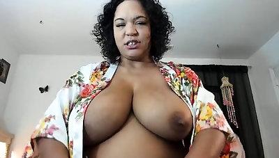 Amateur BBW Striptease