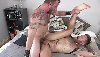 Gays fuck in crazy hardcore to the fullest posing on live cam