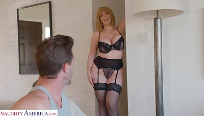 Curvaceous mommy near sexy lingerie Sara Fribble with a play seduces young stepson