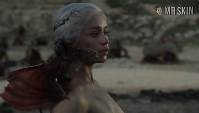 Completely naked Mother of Dragons from game Be proper of Thrones