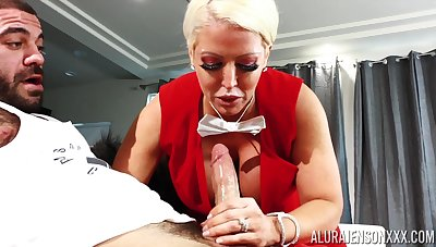 Gorgeous busty comme ci MILF Alura Jenson wanna loathe fucked missionary