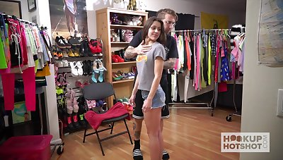 XXX teen with fit body Catalina Ossa is changing clothes
