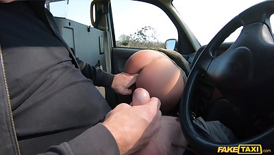 Amateur with gorgeous eyes, nasty POV cam sex on a catch road